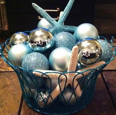 blue-Christmas-balls